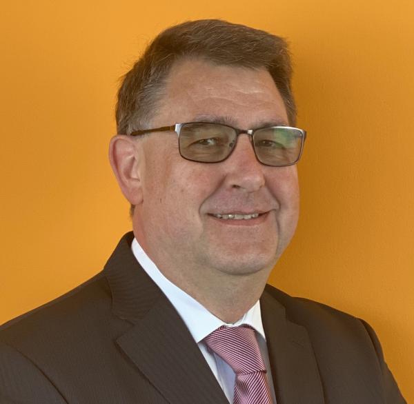 https://intelligent-investors.de/wp-content/uploads/2020/04/Dr.-Werner-Bals.png