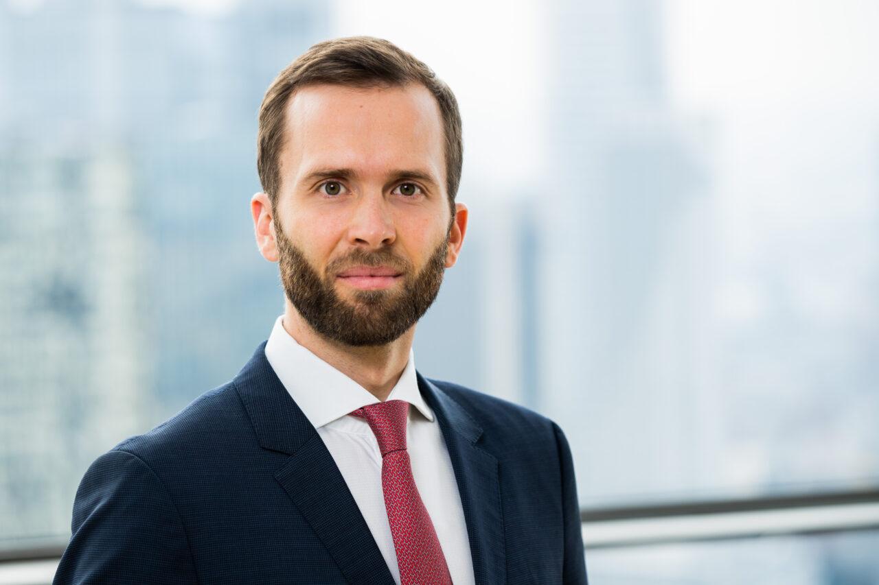 https://intelligent-investors.de/wp-content/uploads/2020/04/Herrmann-Felix-3-1280x853.jpg