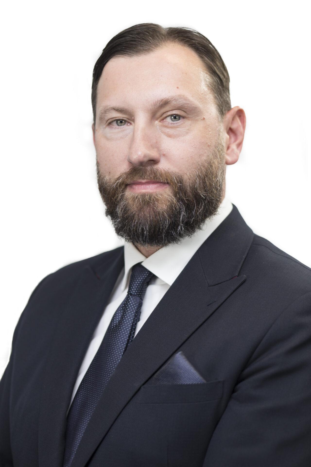 https://intelligent-investors.de/wp-content/uploads/2020/05/Marcin-Adamczyk_NN-IP-1280x1920.jpg