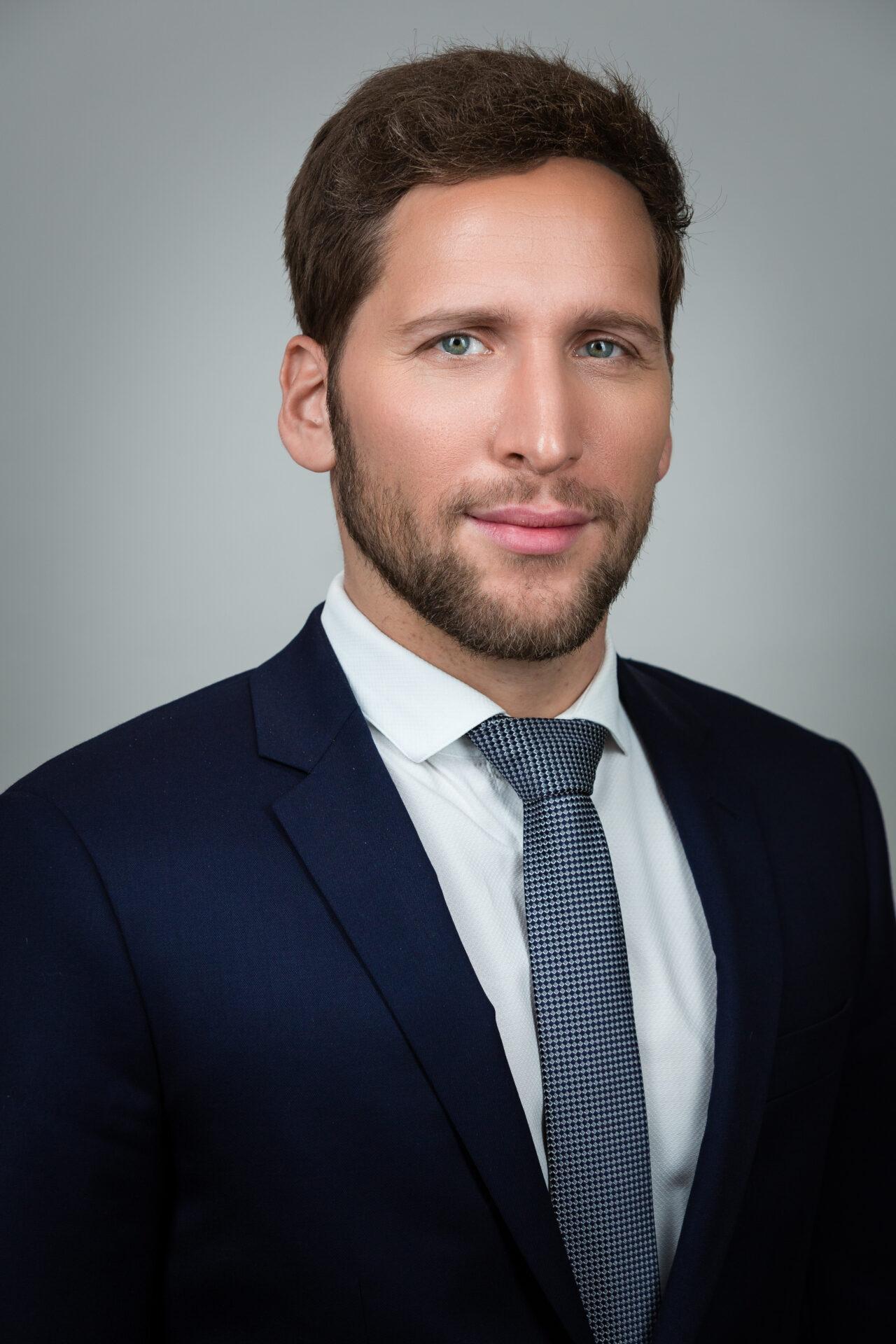 https://intelligent-investors.de/wp-content/uploads/2020/05/Ufuk-Boydak-1280x1920.jpg