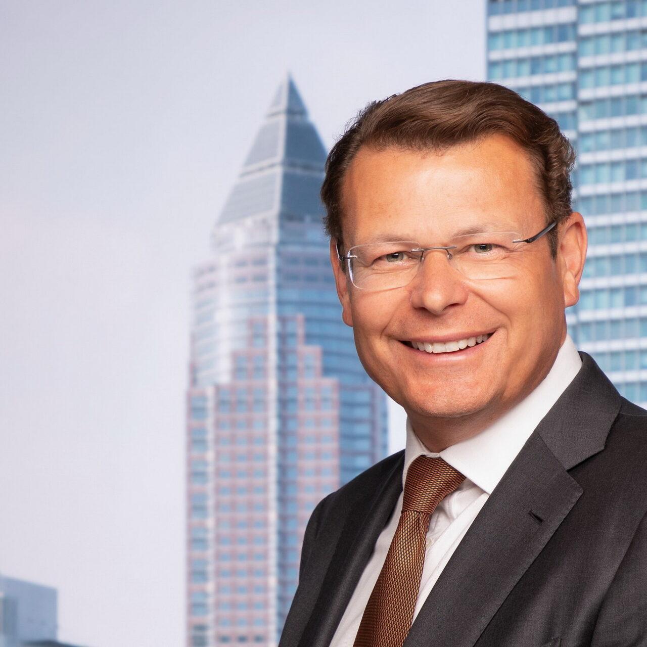 Ian Lees geht zur Universal-Investment-Gruppe