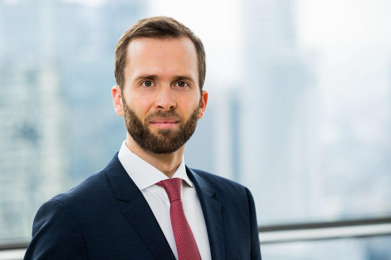 https://intelligent-investors.de/wp-content/uploads/2020/07/Herrmann-Felix-4-1280x853.jpg