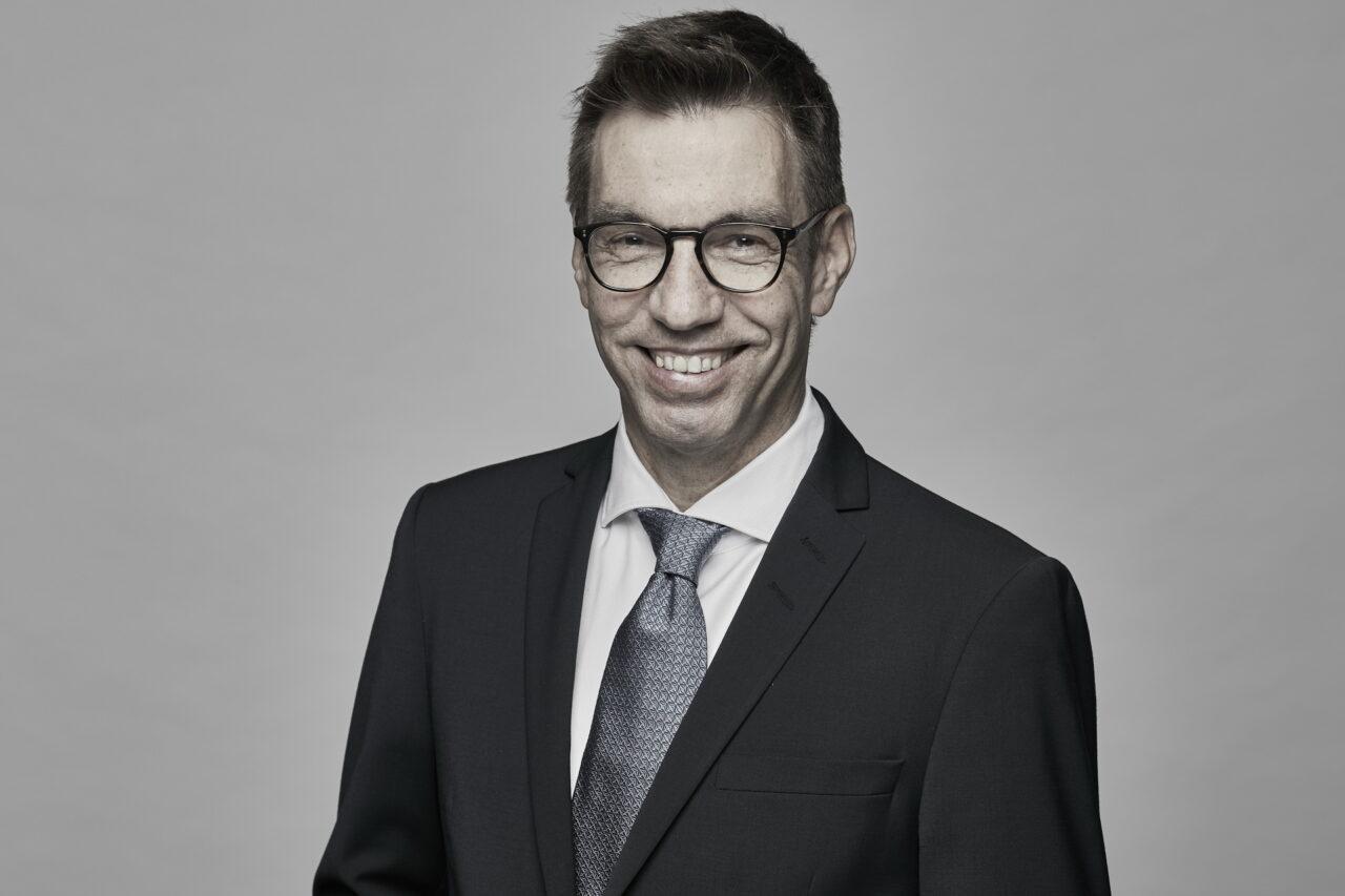 https://intelligent-investors.de/wp-content/uploads/2020/08/Magna_Wenske_Nicolai-1280x853.jpg