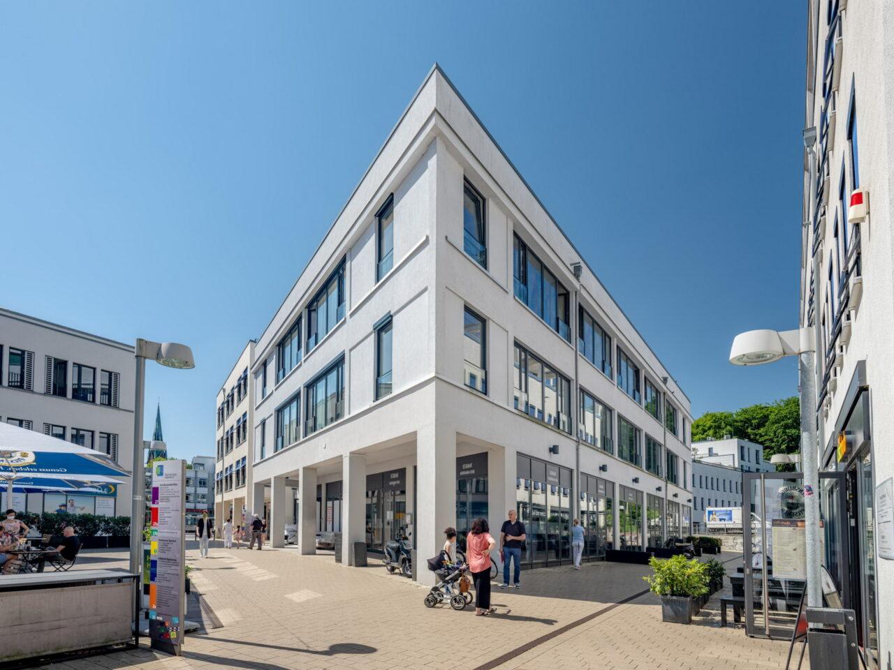 https://intelligent-investors.de/wp-content/uploads/2020/09/Hamburg-Blankenese_2-1280x960.jpg