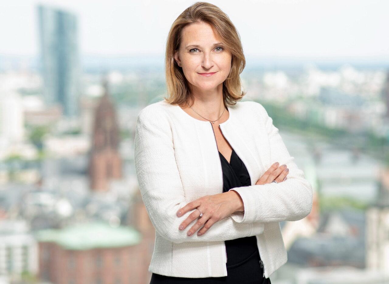 https://intelligent-investors.de/wp-content/uploads/2020/09/Heike-Fürpaß-Peter-2020_2-1280x935.jpg