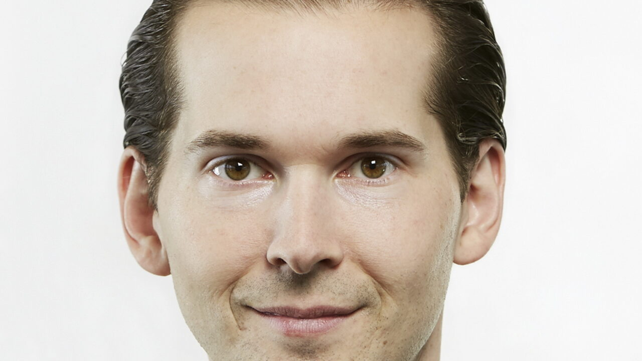 https://intelligent-investors.de/wp-content/uploads/2020/10/Lucke-Daniel-Portrait_2-1280x720.jpg