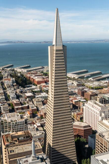 """DEUTSCHE FINANCE GROUP kauft sagenhaften Gebäudekomplex """"Transamerica Pyramid"""""""