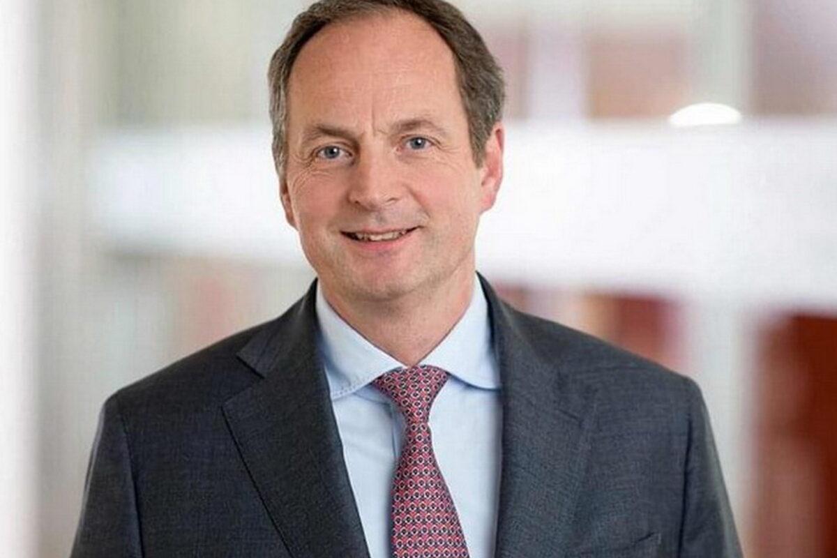 Warburg Bank gewinnt Matthias Schellenberg als neuen Partner