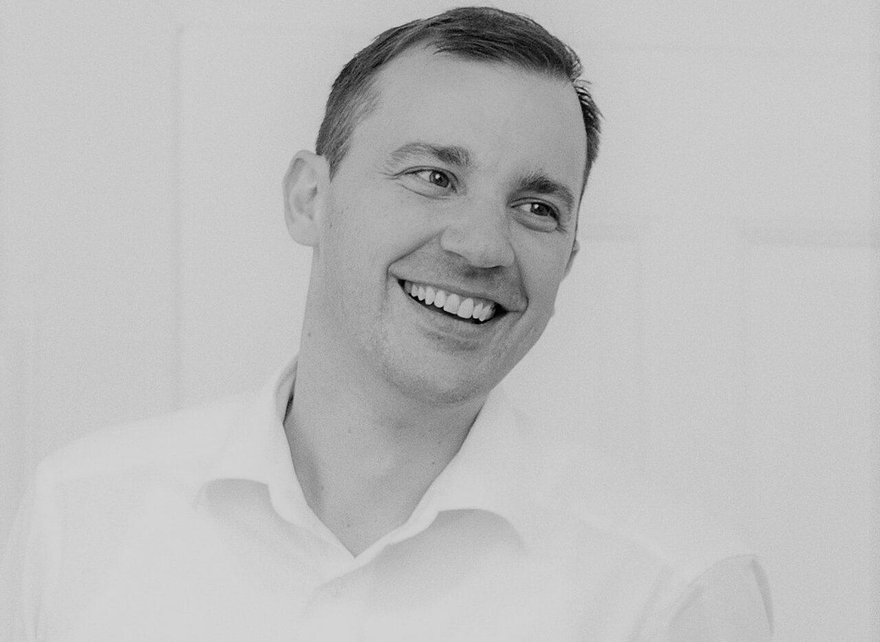 https://intelligent-investors.de/wp-content/uploads/2020/12/Frederik-Hildner_2-1280x934.jpg