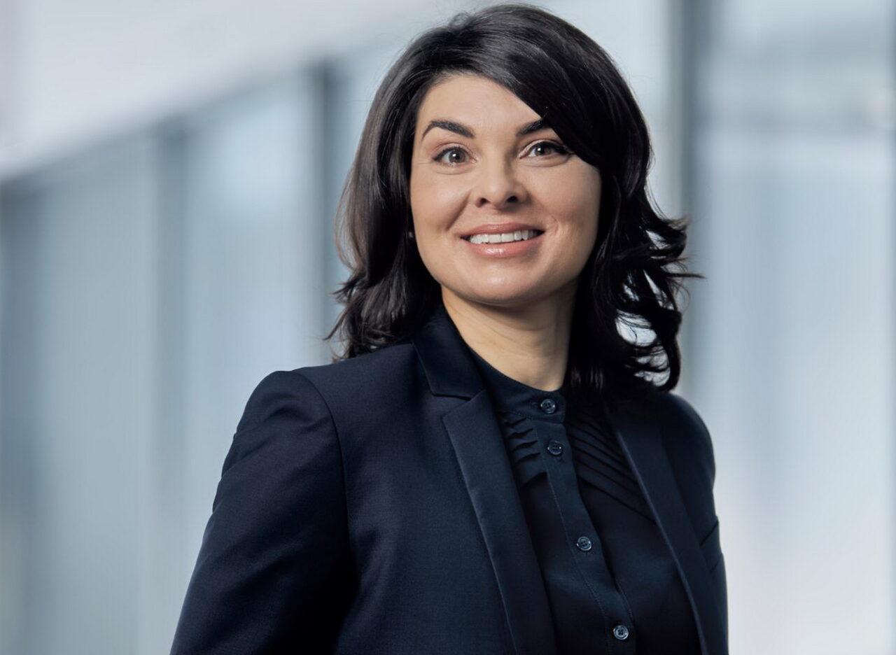 https://intelligent-investors.de/wp-content/uploads/2021/01/Chantale-Pelletier_Schroders_2-1280x936.jpg