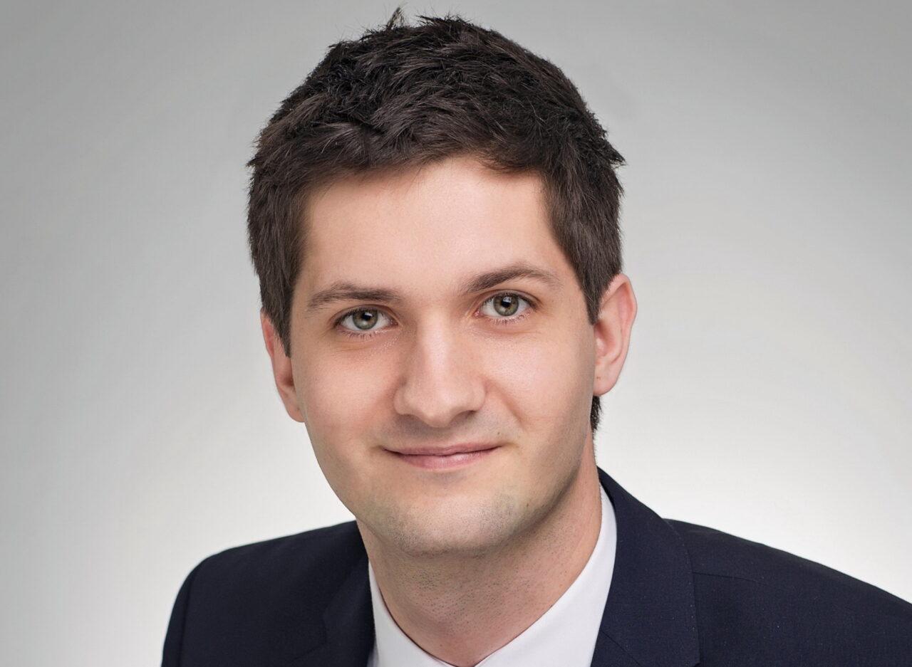 https://intelligent-investors.de/wp-content/uploads/2021/01/DJE_Oleg-Schantorenko_2-1280x937.jpg