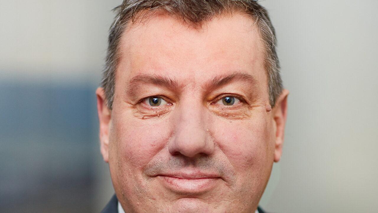 https://intelligent-investors.de/wp-content/uploads/2021/01/Frank-Schneider_2-1280x720.jpg