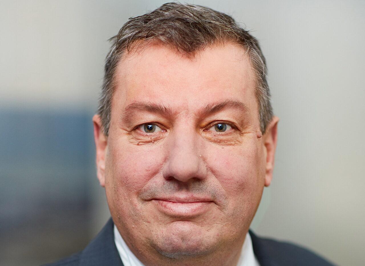 https://intelligent-investors.de/wp-content/uploads/2021/01/Frank-Schneider_2-1280x933.jpg