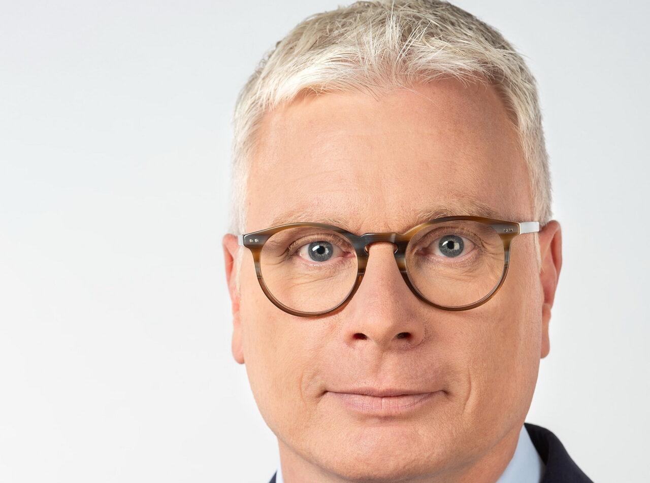 https://intelligent-investors.de/wp-content/uploads/2021/01/Reicherter-Matthias-Dr._2-1280x952.jpg