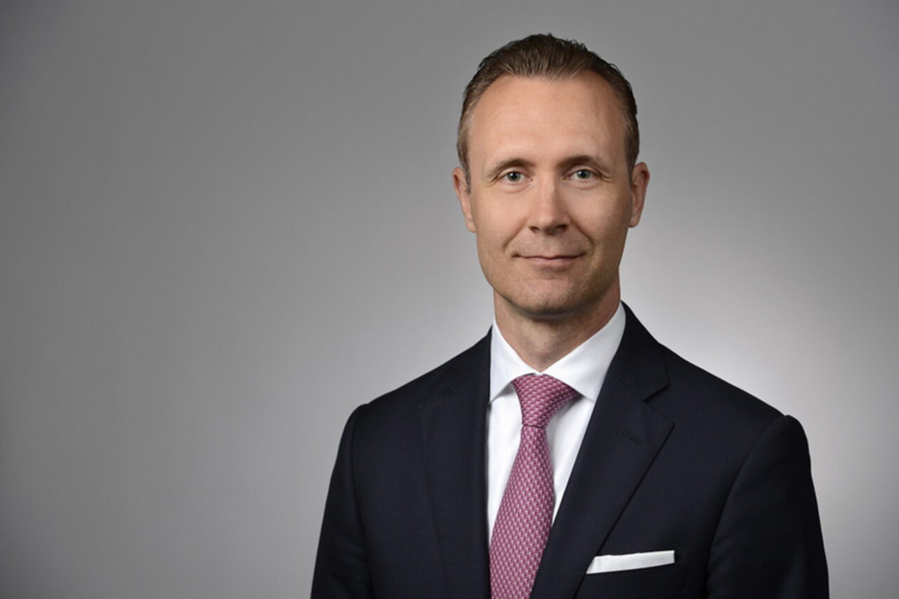 https://intelligent-investors.de/wp-content/uploads/2021/02/Hermann-PFEIFER-Amundi_2-1280x854.jpg