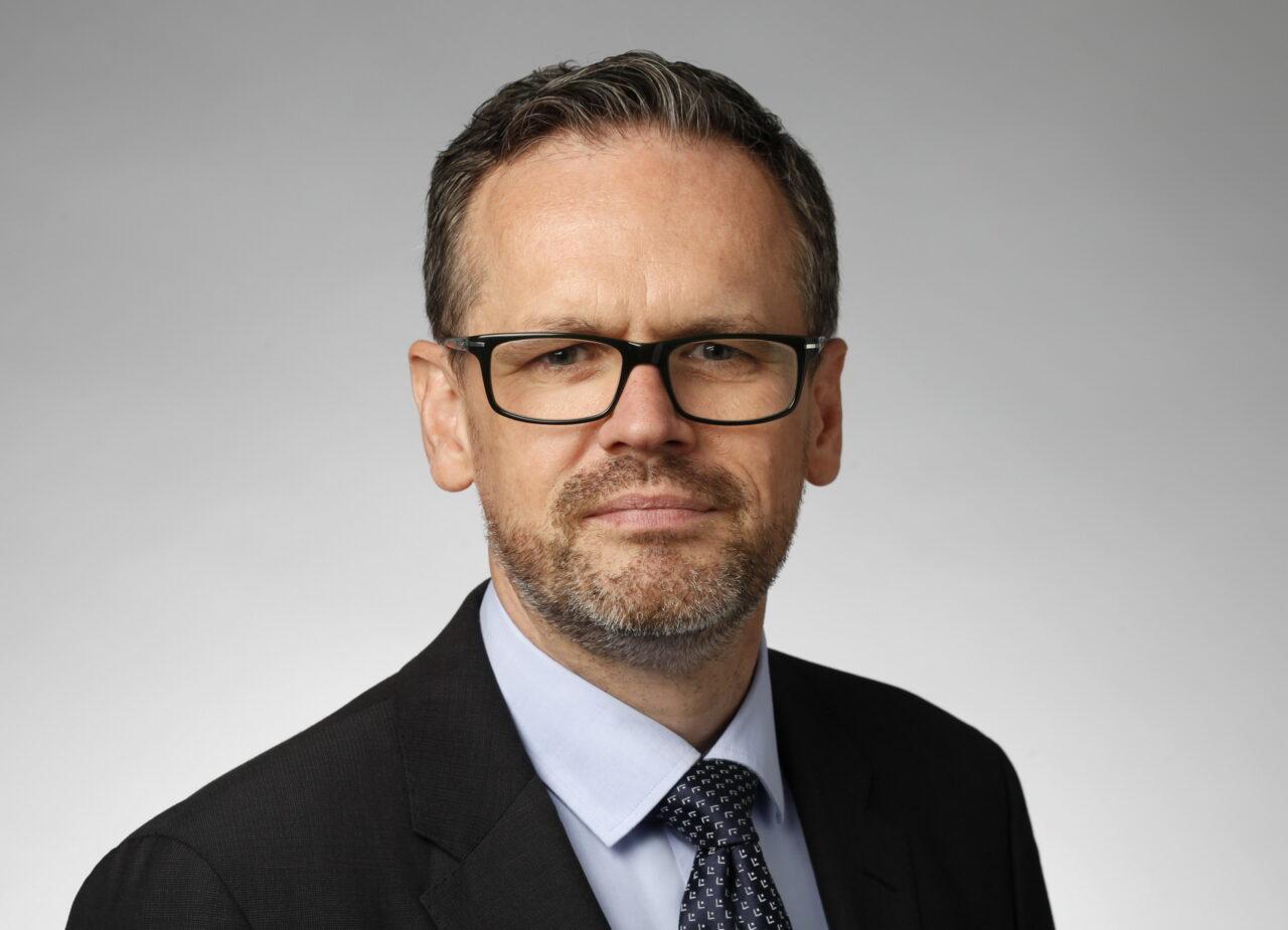 https://intelligent-investors.de/wp-content/uploads/2021/02/Portrait_Nigel_Cresswell_2-1280x925.jpg