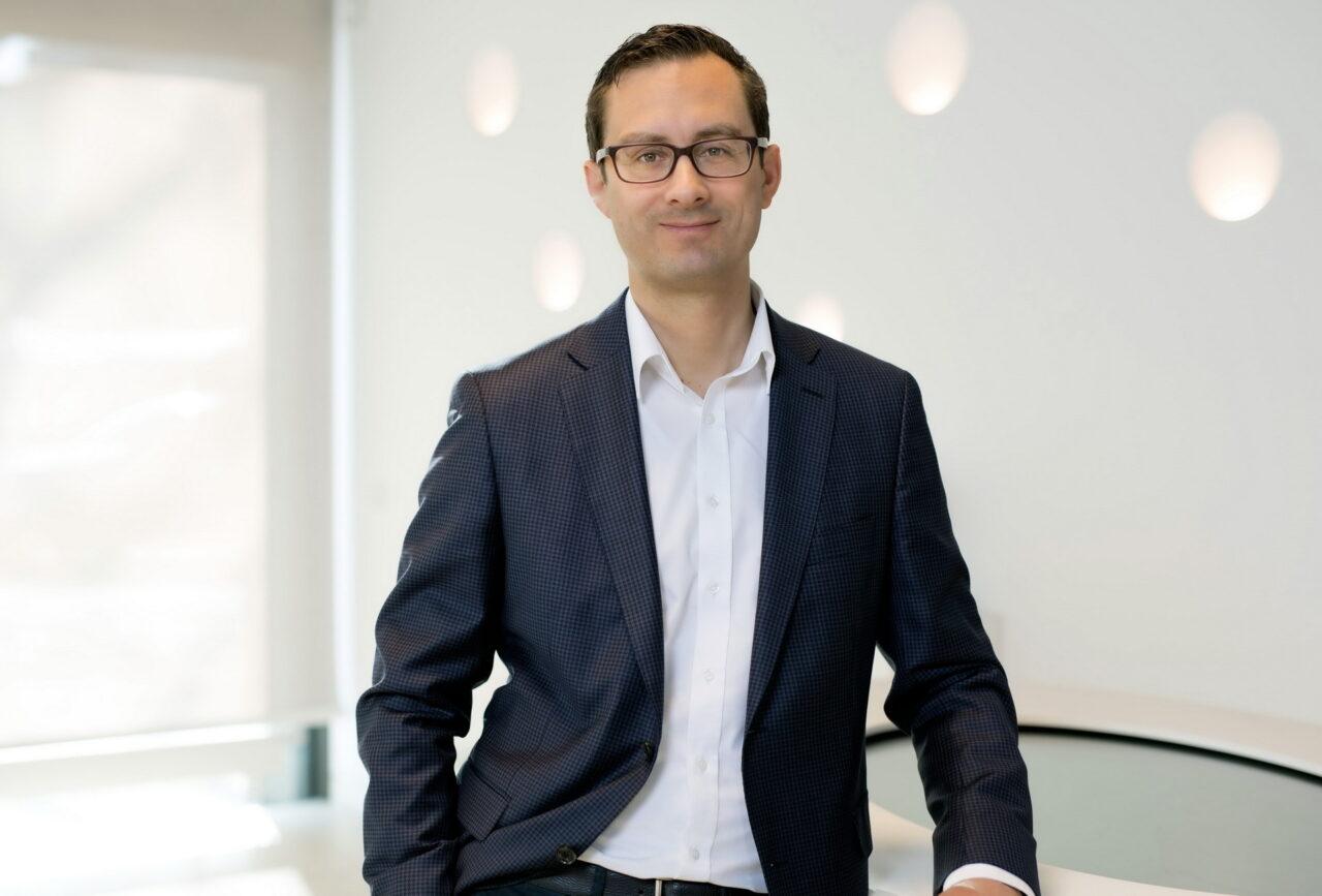 https://intelligent-investors.de/wp-content/uploads/2021/04/Henning-Koch-1280x867.jpg