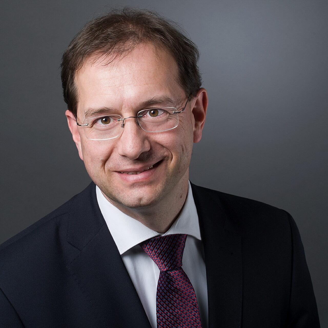 Huth zum Vorstand bei FAROS berufen