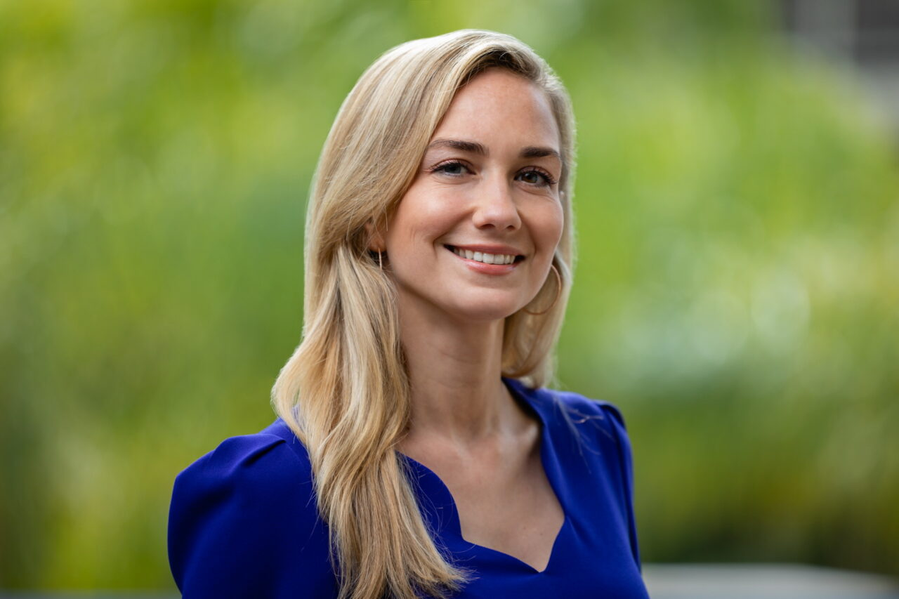 https://intelligent-investors.de/wp-content/uploads/2021/04/Romina-Smith_Nuveen_2-1280x853.jpg