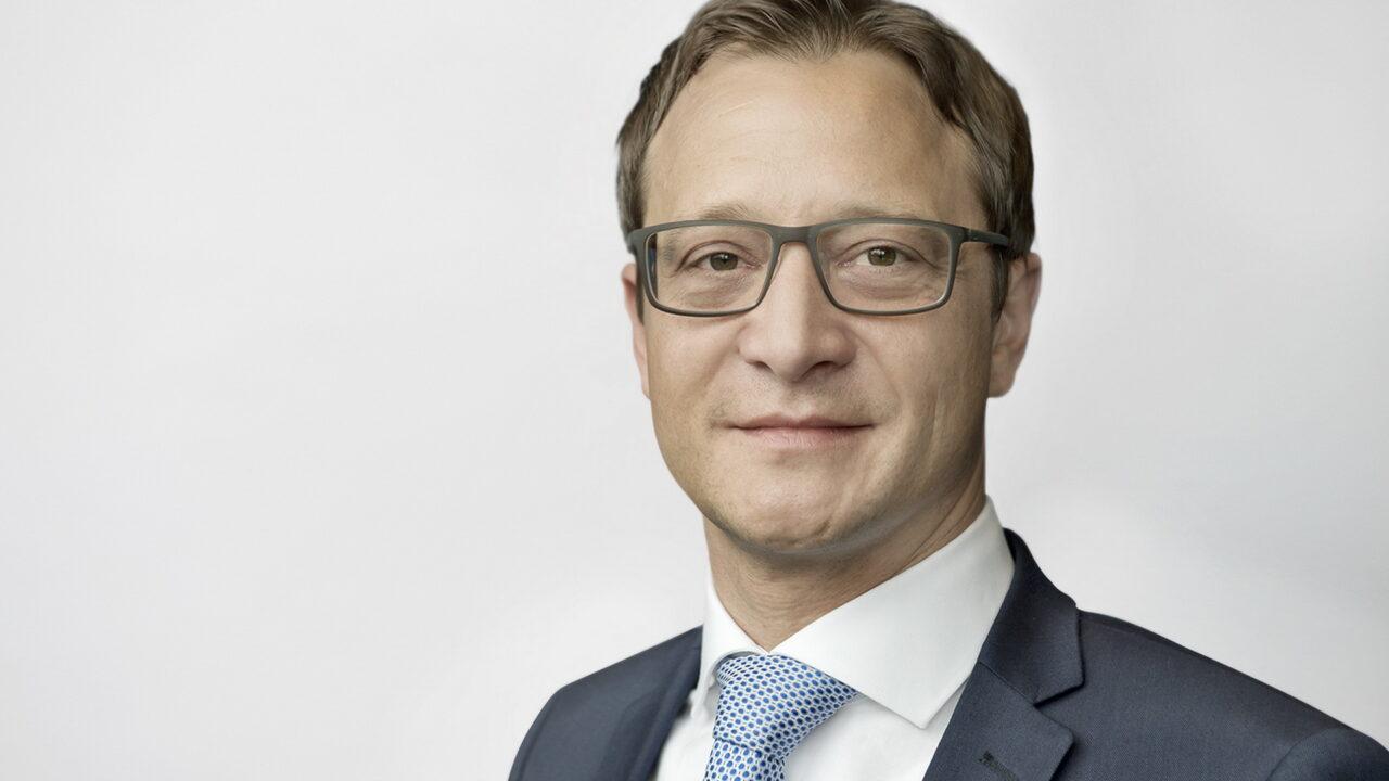 https://intelligent-investors.de/wp-content/uploads/2021/07/Andre_Zuecker_Mitglied_der_Geschaeftsfuehrung_KGAL_2-1280x720.jpg