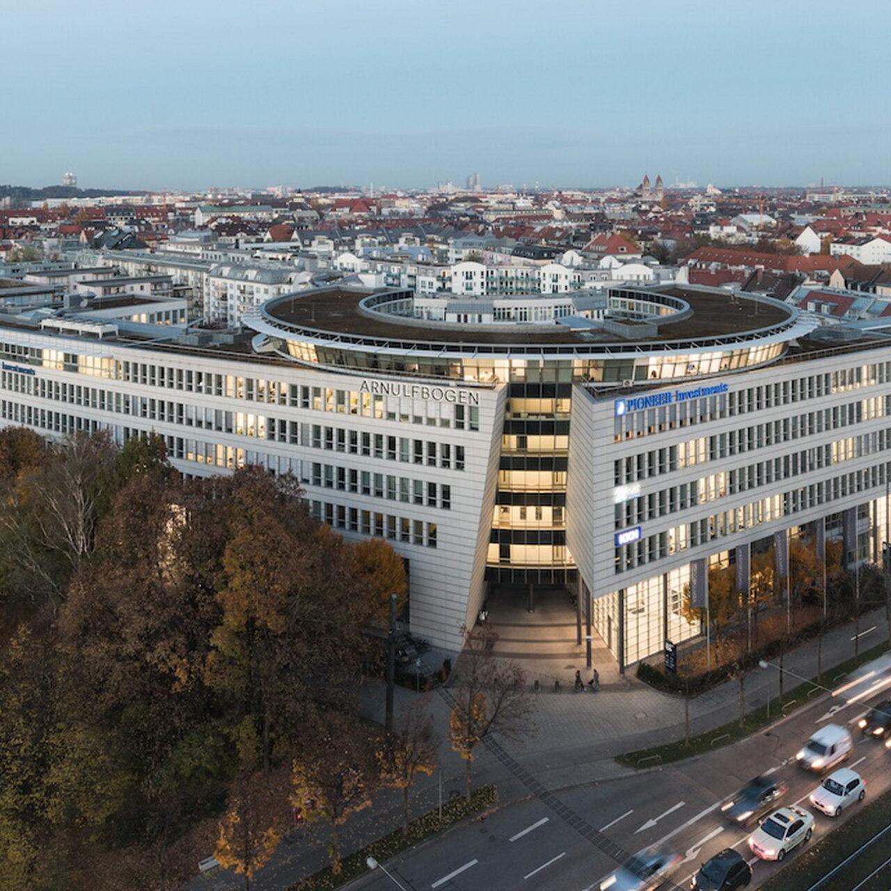 """Bayerische Versorgungskammer erwirbt """"Arnulfbogen"""""""