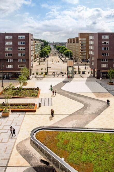 Savills IM erwirbt Nahversorgungszentrum in Amsterdam für europäischen LEH-Fonds